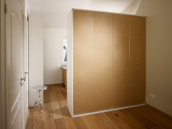 wand mit stoff verkleiden zimmerdecke with wand mit stoff verkleiden ado covertex hotelierde. Black Bedroom Furniture Sets. Home Design Ideas