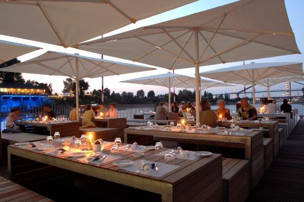 gourmet restaurant d sseldorf lido mit neuem terrassenkonzept. Black Bedroom Furniture Sets. Home Design Ideas