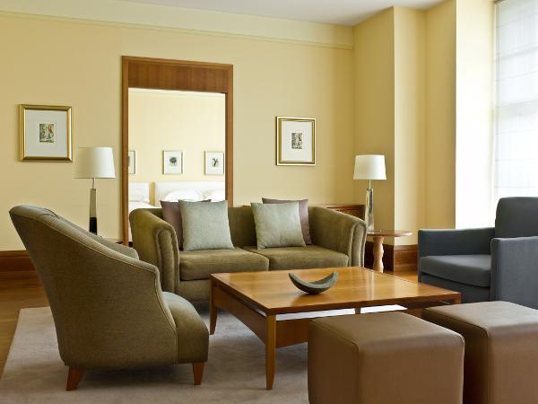 Park Hyatt Hamburg Hotel Mit 5 Sterne Luxus In Bester Lage