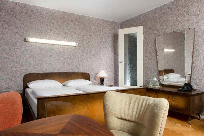 50er Jahre Möbel im Days Inn Kassel Hessenland | hotelier.de