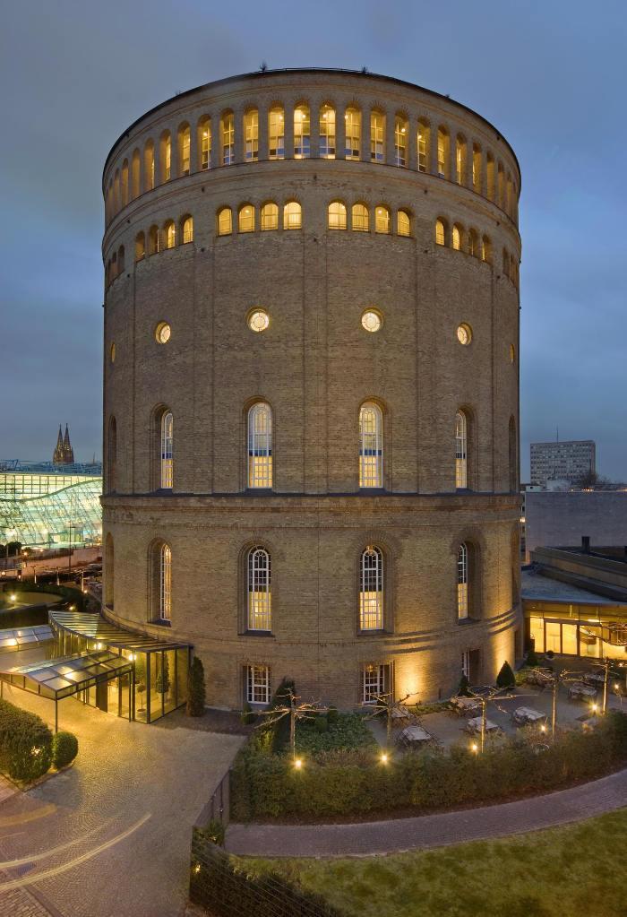 Kölner Hotel im Wasserturm wird Romantik Haus