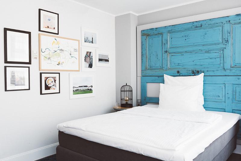 berliner kreieren hotelzimmer f r g ste you me berlin. Black Bedroom Furniture Sets. Home Design Ideas