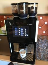 Beste WMF-Gastro-Kaffeemaschine 1500S im Hotel Albergo Berlin (2019); Bild Hotelier.de