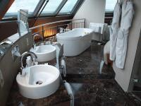 Doppelwaschtisch-Lösung im Mövenpick Hotel Sternschanze Hamburg... / Bildquelle: Beide Hotelier.de