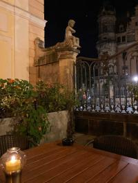 Abendliche Stimmung am Sophienkeller im Taschenbergpalais