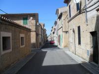 Typisches kleines Dorf im Landesinneren wie Petra