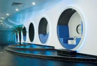 Im modernen Business-SPA entspannen sich Geschäftsreisende und private Hotelgäste in sogenannten Relax-Kokons auf Sitzelementen und Liegeflächen, die mit elektrischen Heizelementen von AEG Haustechnik ausgerüstet sind / Foto: Schlosshotel Montabaur