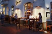 Die Kombination aus Wärme + Licht, machen die Infrarot Heizstrahler IR Premium Plus gerade für Hoteliers und die Gastronomie reizvoll
