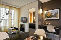 Apartment im Adina Apartment Hotel Berlin Hackescher Markt / Bildquelle: Adina Apartment Hotel Berlin Hackescher Markt