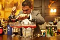 Andreas Andricopoulos ist Barmanager in der Alto Bar / Bildquelle: uschi liebl pr
