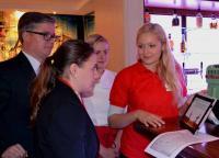 Schulung des Gastronomiepersonals / Bildquelle: Anheuser-Busch InBev Deutschland