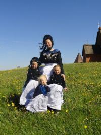 Virginia Karau mit ihren Töchtern ©Anker´s Hörn