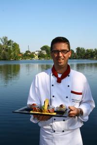 Johann Schwarz, Küchenchef im Restaurant UNO, am Steg des ARCOTEL Kaiserwasser / Bildquelle: ARCOTEL Hotels