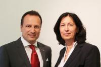 Dr. Renate Wimmer, Eigentümer der Unternehmensgruppe ARCOTEL mit Martin Lachout, Vorstand der ARCOTEL Hotel AG (auch Bildquelle)