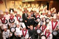 Aufmarsch der Weißmützen und der Verantwortlichen von Ballarini Professionale: Die ausgezeichneten