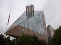Das Estrel in Berlin: Größtes Hotel in Deutschland und Ziel von Geschäftsreisenden wegen der vielen Messen und Kongresse; Bildquelle Sascha Brenning Hotelier.de