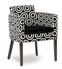 Eine akzentuierte Form verlangt geradezu nach einem markanten Muster wie hier bei Cadiz. Die schwarze Sitzfläche bildet einen reizvollen Akzent und ruhenden Pol