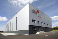 Die Vertragswerke des DBL-Verbundes investierten 2013 rund 17,5 Millionen Euro in Modernisierungen. Den größten Posten verursachte dabei der Bau eines neuen Wäscherei- und Logistikstandortes des Vertragswerks DBL Merk im bayerischen Pfreimd