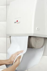 Trockene Hände mit sauberen Stoffrollen. Die DBL-Handtuchspender sind ebenso hygienisch wie umweltfreundlich