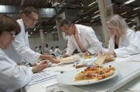Die sensorische Qualitätsbewertung von Pizza erfolgt mit Hilfe des produktspezifischen DLG-5-Punkte-Schemas®