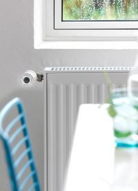 Die Steuerung aller Living-Connect-Thermostate im Haus kann drahtlos über Danfoss Link vorgenommen werden. Die schnelle Installation ohne Kabel erfolgt wahlweise mit Unterputz- oder Aufputz-Batterienetzteil