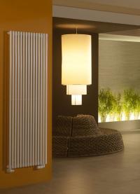 Passen perfekt in das edle Design von Hotellobbys: Ther-mostatventile der X-tra Collection von Danfoss kombinie-ren formschöne Optik mit hoher Funktionalität. Durch ihre glatte Oberfläche sind sie außerdem leicht zu reinigen und desinfizieren