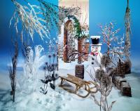 Für Wintersporthotels angesagt: Die Holzschlitten von Deko Woerner, alle Bilderechte Deko Woerner GmbH