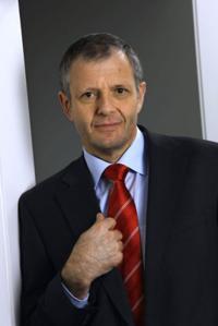 Zur Person: Dr. Francis Krähenbühl