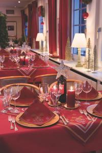Christmas Charm bordeaux