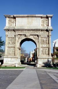 Arco di Traiano,Benevento / Copyright: Fototeca ENIT / Photo by: Vito Arcomano
