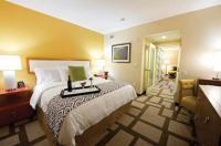 Zimmer im Embassy Suites Hotel Houston, welches auch die Bildquelle darstellt