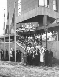 Eröffnung Swissôtel Düsseldorf Neuss 2. Juli 1984; Teamfoto, Personen siehe 2**