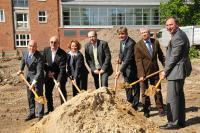 Erster Spatenstich - Eröffnung für September 2011 geplant