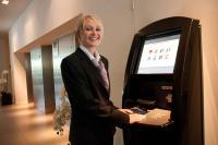 Der neue Check-in-Automat im Excelsior Hotel Berlin / Bildquelle: Excelsior Hotel Berlin