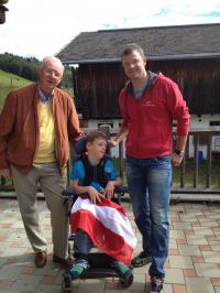 Spendenübergabe an unser Firmenpatenkind Elias KR DI Volker Heerdegen, Elias und Ing. Gerald Heerdegen