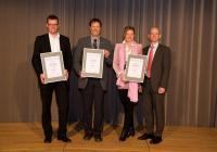 Ganz links: Ing. Gerald Heerdegen, der Geschäftsführer der Firma Fahnen Gärtner / Bildquelle: Fahnen-Gärtner GmbH