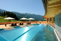 Der Pool auf der 300 Quadratmeter große Dachterrasse / Bildquelle: Beide Stromberger PR