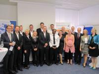 Das Team der Hotelmanagement-Akademie gratuliert und freut sich gemeinsam mit den erfolgreichen Absolventen / Bildquelle: Remann - GBZ