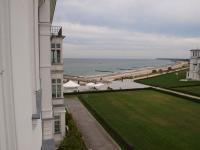 Toller Blick auf die Ostsee. Links das Haus Mecklenburg. Das Gebäude rechts gehört nicht zum Hotelkomplex / Alle Fotos © Sascha Brenning - Hotelier.de