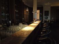 Die gemütliche Nelson Bar. Hier sehr zu empfehlen: Ein Mai Tai