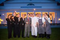 Das Friedrich Franz Gourmet Team mit Sommeliere Aline Nagel, Restaurantleiter Norman Rex und Sternekoch Ronny Siewert in der Mitte / Bildquelle: Grand Hotel Heiligendamm