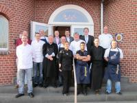 Gruppenfoto HGK-Kochkurs im Palace St. George / Bildquelle beide HGK Hotel- und Gastronomie-Kauf eG