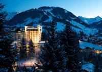 Gstaad Palace bei Nacht, Bildquelle Thomas Cook Pressestelle