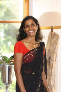 Kethakie de Silva-Hahn studierte in Sri Lanka Ayurveda Medizin und bietet im Gut Klostermühle authentische Ayurveda-Kuren, -Behandlungen und sowie -Ernährungsberatung an / Bildquelle: Gut Klostermühle