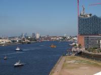 Hamburg, das Tor zur Welt, wäre ein toller Standort für eine Olympiade. Und vielleicht ist dann sogar die Elbphilharmonie (im Bild rechts) einsatzbereit ;-) / Foto © Sascha Brenning - Hotelier.de