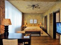 Die Kolonial-Suite empfängt anspruchsvolle Gäste mit viel Platz, modernstem Komfort und einem Hauch von Afrika