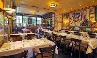 """Originelles Ambiente und eine vorzügliche mediterrane Küche zeichnen das dem Hotel angeschlossenen Restaurant """"Cassambalis"""" aus"""