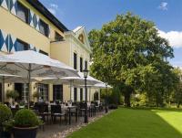 Im Grünen und nicht weit von Münsters Innenstadt entfernt ist das Parkhotel Schloss Hohenfeld ein Garant für romantische Aufenthalte