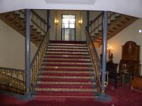 Schöner Treppenaufgang im Hotel Hafen Hamburg