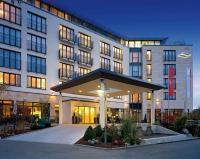 Der Eingangsbereich / Bildquelle: Beide Hotel Vier Jahreszeiten Starnberg